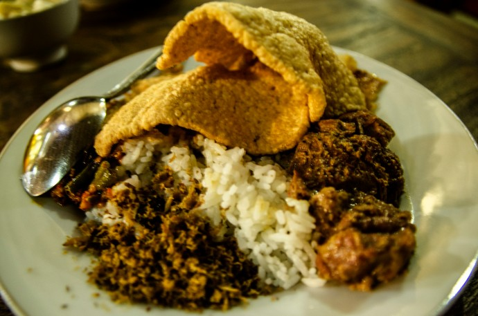 nasi campur daging terik